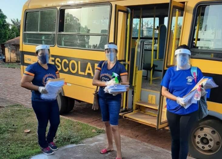 Materiais estão sendo distribuídos aos estudantes